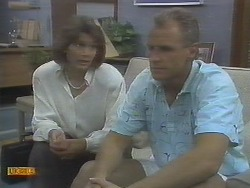 Beverly Robinson, Jim Robinson in Neighbours Episode 0694