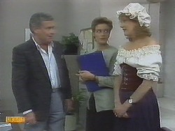 Lou Carpenter, Gail Robinson, Madge Ramsay in Neighbours Episode 0694