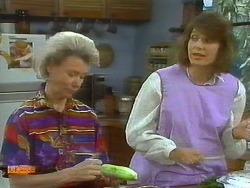 Helen Daniels, Beverly Robinson in Neighbours Episode 0696