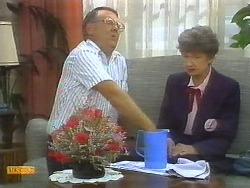 Harold Bishop, Nell Mangel in Neighbours Episode 0696