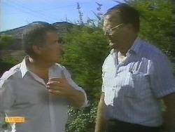 Lou Carpenter, Harold Bishop in Neighbours Episode 0697