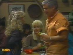 Charlene Robinson, Crystal, Lou Carpenter in Neighbours Episode 0697