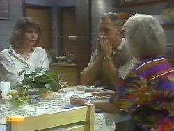 Beverly Robinson, Jim Robinson, Helen Daniels in Neighbours Episode 0697