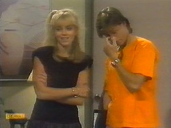 Jane Harris, Mike Young in Neighbours Episode 0698