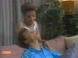 Paul Robinson, Gail Robinson in Neighbours Episode 0698