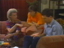 Helen Daniels, Mike Young, Des Clarke in Neighbours Episode 0698