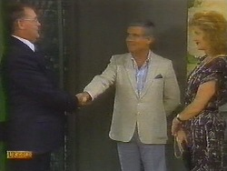 Harold Bishop, Lou Carpenter, Madge Bishop in Neighbours Episode 0698