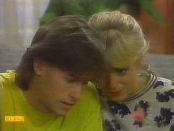Mike Young, Jane Harris in Neighbours Episode 0698
