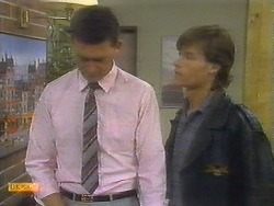 Des Clarke, Mike Young in Neighbours Episode 0699