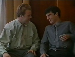 Dave Summers, Ted Regan in Neighbours Episode 0700