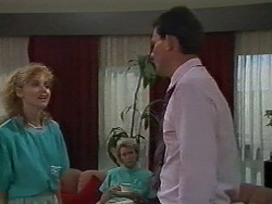 Sally Wells, Helen Daniels, Des Clarke in Neighbours Episode 0700