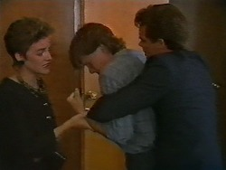 Gail Robinson, Mike Young, Paul Robinson in Neighbours Episode 0700