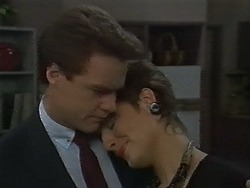 Paul Robinson, Gail Robinson in Neighbours Episode 0700