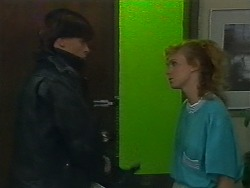 Mike Young, Sally Wells in Neighbours Episode 0700