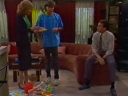 Madge Bishop, Mike Young, Des Clarke in Neighbours Episode 0702