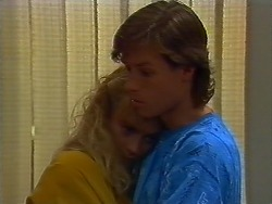 Jane Harris, Mike Young in Neighbours Episode 0702