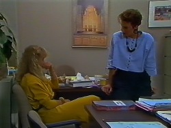Jane Harris, Gail Robinson in Neighbours Episode 0702