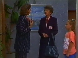 Beverly Marshall, Nell Mangel, Katie Landers in Neighbours Episode 0703