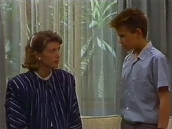 Beverly Marshall, Todd Landers in Neighbours Episode 0704