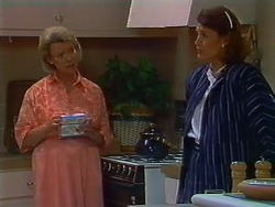 Helen Daniels, Beverly Marshall in Neighbours Episode 0704