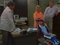 Ross Warner, Helen Daniels, Jamie Clarke, Jim Robinson in Neighbours Episode 0704