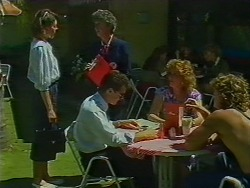 Beverly Marshall, Nell Mangel, Paul Robinson, Madge Bishop, Henry Ramsay in Neighbours Episode 0704