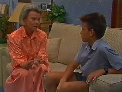 Helen Daniels, Todd Landers in Neighbours Episode 0704