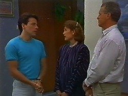 Tony Romeo, Beverly Robinson, Jim Robinson in Neighbours Episode 0705