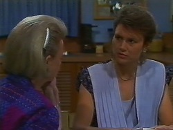 Helen Daniels, Beverly Marshall in Neighbours Episode 0706