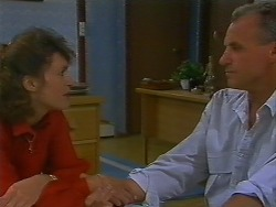 Beverly Marshall, Jim Robinson in Neighbours Episode 0706