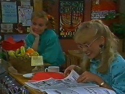 Sally Wells, Jane Harris in Neighbours Episode 0706