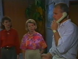 Beverly Marshall, Helen Daniels, Jim Robinson in Neighbours Episode 0706