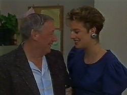 Rob Lewis, Gail Robinson in Neighbours Episode 0707