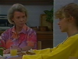 Helen Daniels, Charlene Mitchell in Neighbours Episode 0707