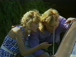Charlene Mitchell, Scott Robinson in Neighbours Episode 0708