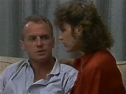 Jim Robinson, Beverly Marshall in Neighbours Episode 0709