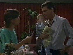 Mike Young, Jamie Clarke, Des Clarke in Neighbours Episode 0709