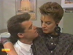 Paul Robinson, Gail Robinson in Neighbours Episode 0710