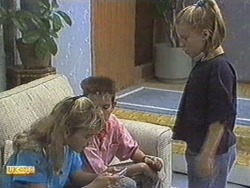 Emma Gordon, Todd Landers, Katie Landers in Neighbours Episode 0711