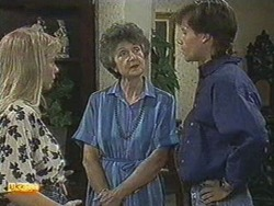 Jane Harris, Nell Mangel, Mike Young in Neighbours Episode 0711