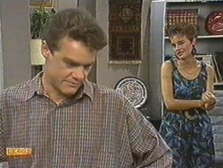 Paul Robinson, Gail Robinson in Neighbours Episode 0712