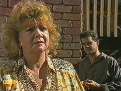 Gloria Lewis, Paul Robinson in Neighbours Episode 0712