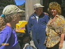 Charlene Mitchell, Rob Lewis, Gloria Lewis in Neighbours Episode 0712