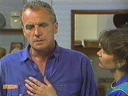 Jim Robinson, Beverly Marshall in Neighbours Episode 0712