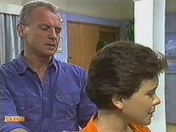 Jim Robinson, Lucy Robinson in Neighbours Episode 0713