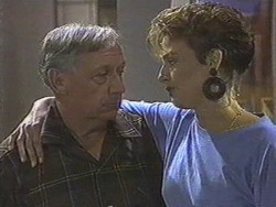 Rob Lewis, Gail Robinson in Neighbours Episode 0713