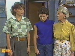 Beverly Robinson, Lucy Robinson, Helen Daniels in Neighbours Episode 0713