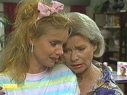 Sally Wells, Helen Daniels in Neighbours Episode 0715