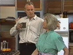 Jim Robinson, Helen Daniels in Neighbours Episode 0721