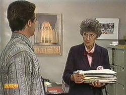 Paul Robinson, Nell Mangel in Neighbours Episode 0721